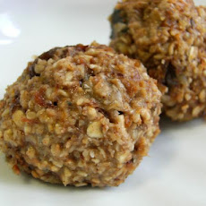No-Bake Oatmeal Raisin Cookies