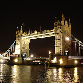 London Bridge by Picture Wizard - Buildings & Architecture Bridges & Suspended Structures ( london bridge, london, night, no tripod, bridge )