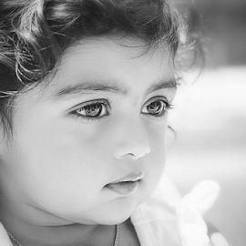 bright eyes by Laura Drake Enberg - Babies & Children Toddlers ( canon, blackandwhite, monochrome, black and white, candid, toddler, portrait, eyes )
