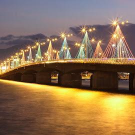 Tran Phu Bridge by Đoàn Đoàn - City,  Street & Park  Street Scenes ( cautranphu, nhatrang )