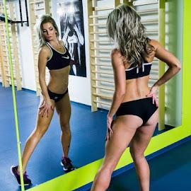 Niki  by Máté Csöbönyei - Sports & Fitness Fitness ( traning room, fitness, sport )