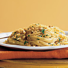 Spaghetti with Caramelized Onions, Anchovies, and Toasted-Garlic Breadcrumbs