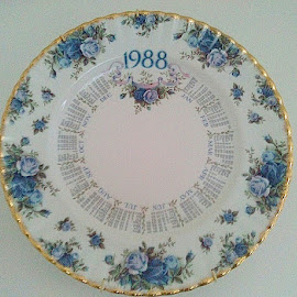 Date plate by Lyz Amer - Artistic Objects Cups, Plates & Utensils ( plate )