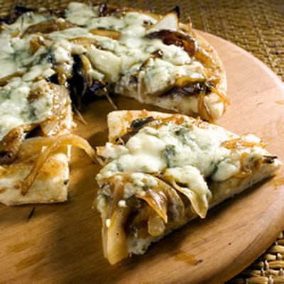 Caramelized Onion and Gorgonzola Pizza