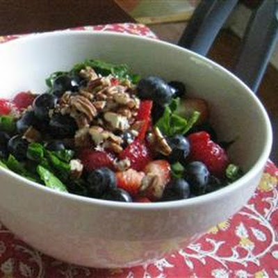 Spinach Salad With Berries and Curry Dressing
