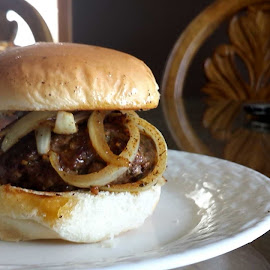 by Ayris R. - Food & Drink Plated Food ( burger, onions, meat, homemade, hamburger )