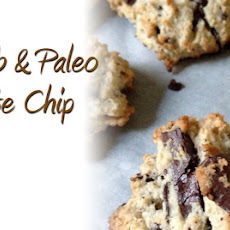 Low Carb and Paleo Chocolate Chip Cookie