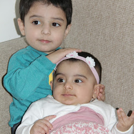 Bro n Sis by Hassan Jalal - Babies & Children Child Portraits ( sister, siblings portrait, brother, family photo, siblings )