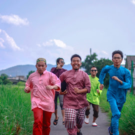 Raya! by Ridzuan Muhamad - People Portraits of Men