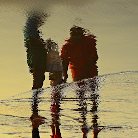 on reflections by Yudi Dhaniwanto - People Family ( reflections )