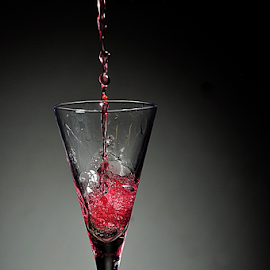 drop of the red stuff by Joss Wills - Food & Drink Alcohol & Drinks ( wine, d90, drops, crystal, nikon )