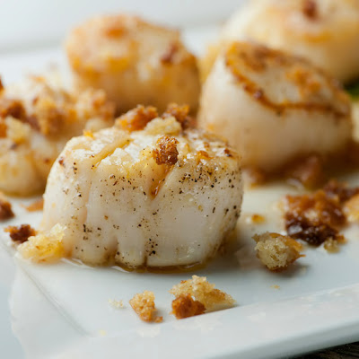 Brown Butter Scallops with Crispy Breadcrumbs