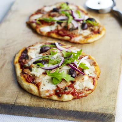 Tuna, Olive & Rocket Pizzas