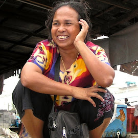 Satun taxi jockey by Mark Beardsley - People Street & Candids ( woman, thailand, candid, people, se asia )