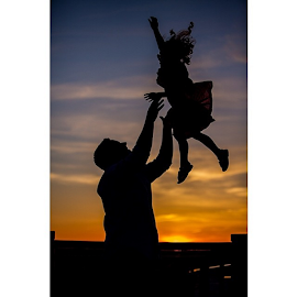 I had a lot of fun with this family photo shoot.@jpurdie4 by Shane Thomas - People Family ( dadsareawesome, sunset, family, spring, spring2014, Utah )