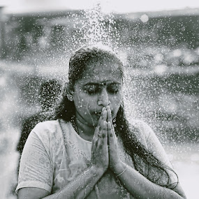 Ritual bath  by Syafizul  Abdullah - People Street & Candids