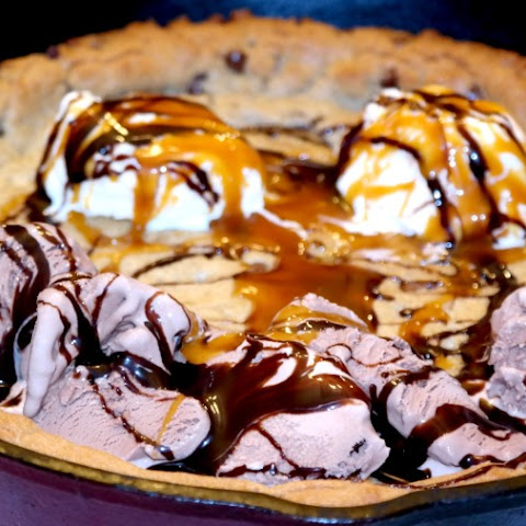 Amazing Skillet Cookie