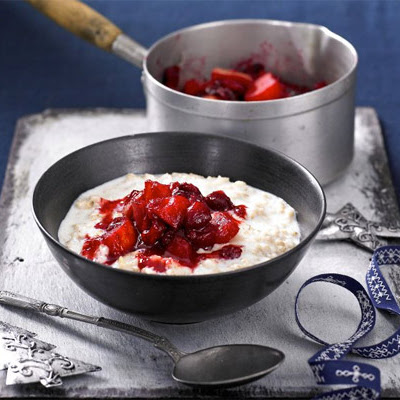 Creamy Porridge With Spiced Apple & Cranberry