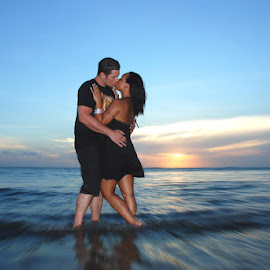 Romantic Evening by Amin Basyir Supatra - Wedding Other ( love, bali, prewedding, romantic, sea, beach, engagement )