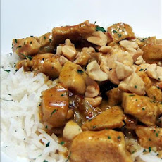 Spicy Thai Peanut Chicken Curry