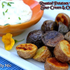 Roasted Potatoes With Yogurt-Sour Cream & Onion Dip