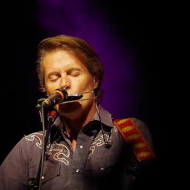 Jim Cuddy, Blue Rodeo by Caroline Way - People Musicians & Entertainers
