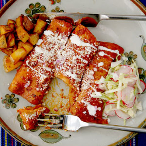 Red Enchiladas With Queso Añejo Recept | Yummly