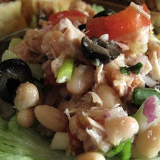 White Bean, Tuna and Tomato Salad