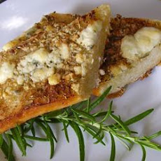 Rosemary Blue Cheese Garlic Bread