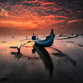 Edges of Nowhere by Hendri Suhandi - Landscapes Sunsets & Sunrises ( clouds, bali, cloud, sunrise, beach )