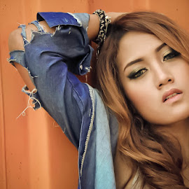 Beautiful Pose by Aries Imamudin - People Fashion ( #fashion #girl #photography )