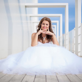 Bride by MIHAI CHIPER - Wedding Bride