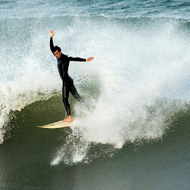 The dancer, dances by Cezar Pegoraro - Sports & Fitness Surfing