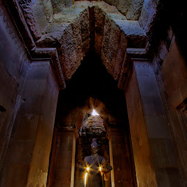 Angkor Wat by Vorn Sovichea - Buildings & Architecture Statues & Monuments