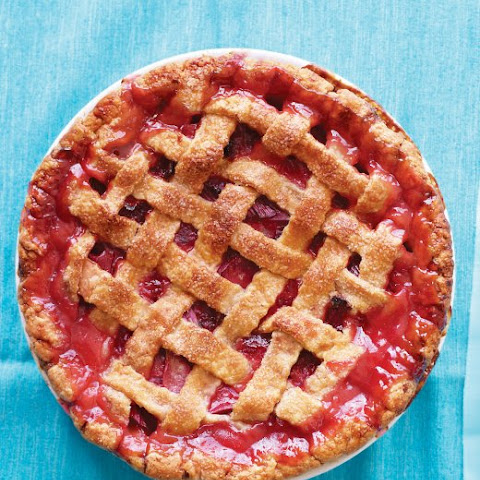 Latticed Rhubarb Pie