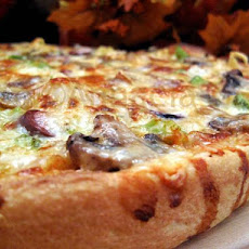 Gourmet Cruisers' Vegetarian Pizza