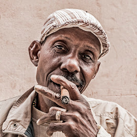 This is Cuba by Norberto Gomes - People Portraits of Men ( cigarette, face, cuban, hdr, guy, havana, portrait, smoke, cuba_life, cigar, smoking, habana, cuba )