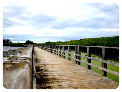 walkway at cavendish beach park