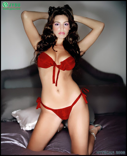 kelly brook bikini red exposed photo gallery