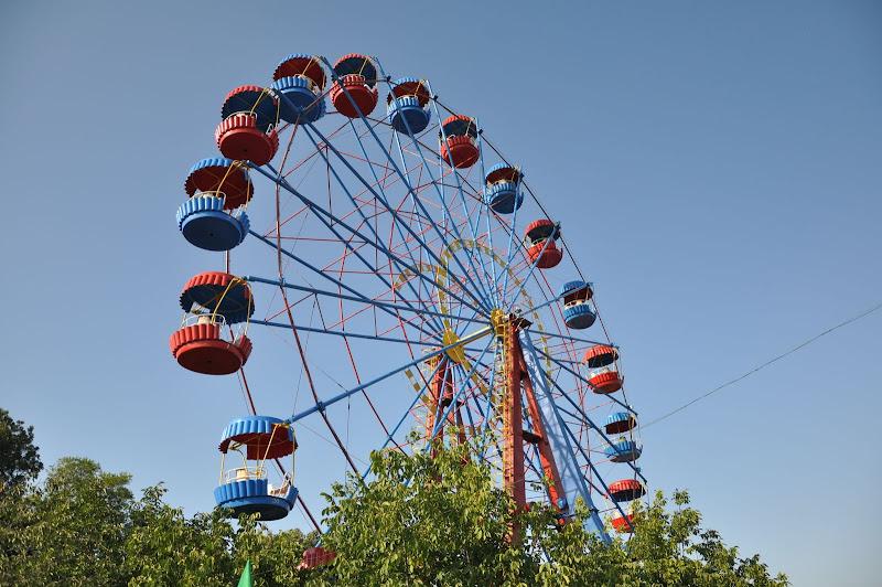 Колесо обозрения в Севастопольском парке