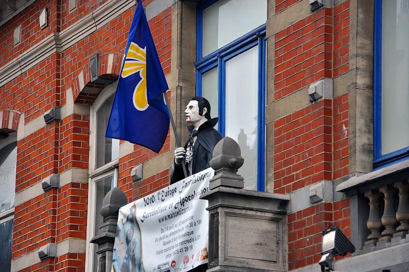 Дракула с флагом в Брюсселе