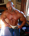 Big Muscle Hunk Brad Hollibaugh