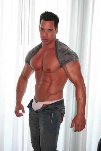 Bodybuilding Junction: Mark Wolff - Big Muscle Hunk
