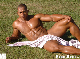 Hot Muscle Hunk, Competitive Heavyweight Bodybuilder - Felipe Gigante