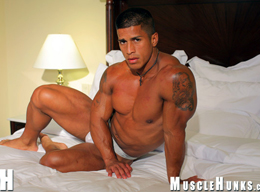 Timmy Riordan - Ripped Muscle Hunk, Hung Musclepuppy Part 2