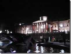 251010_007_Trafalgar_Square_by_Night2
