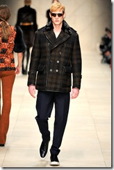 Burberry Prorsum Fall 2011 Ready-To-Wear Runway Photos 23