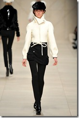 Burberry Prorsum Fall 2011 Ready-To-Wear Runway Photos 40