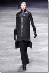 Rick Owens RTW Fall 2011 Runway Photos 30