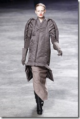 Rick Owens RTW Fall 2011 Runway Photos 33